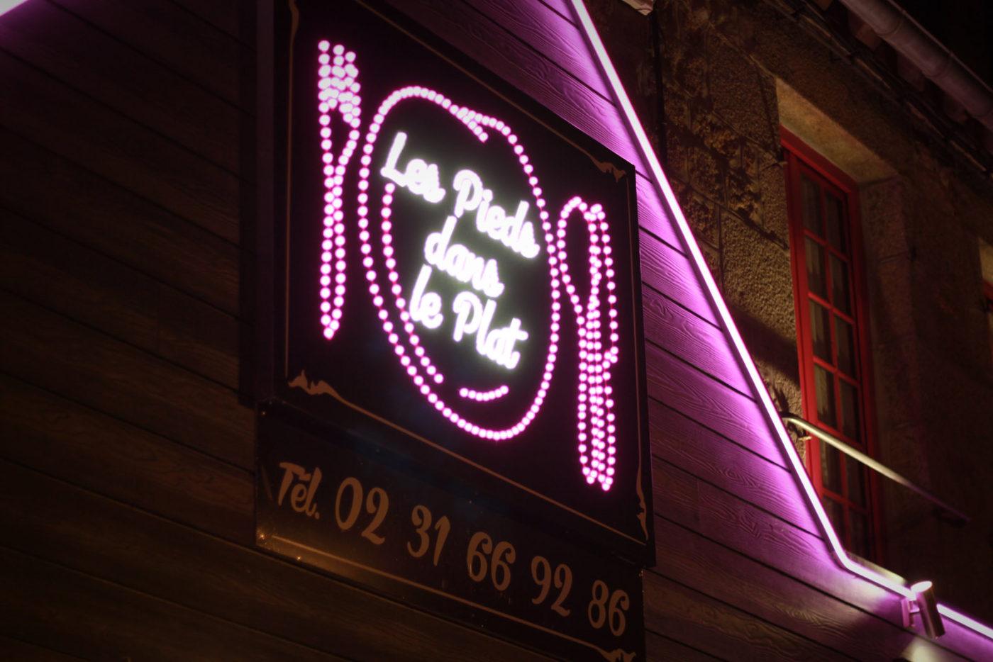 pieddansleplat_enseigne-lumineuse-led-restaurant